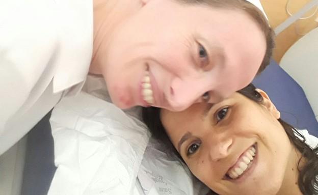 תמר מייבום והאחות ולנטינה בבית החולים סנט ג'וזיף (צילום: ענבל מנדלר)