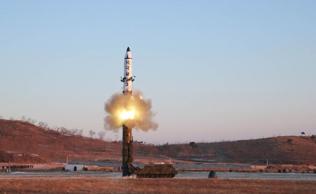 שיגור טיל בצפון קוריאה, ארכיון (צילום: רויטרס)