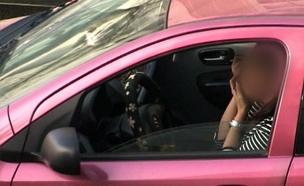 אישה מתאפרת בזמן הנהיגה (צילום: אור ירוק)