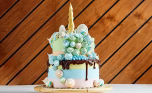 עוגת חד קרן חגיגית (צילום: אמיר מנחם, אוכל טוב)
