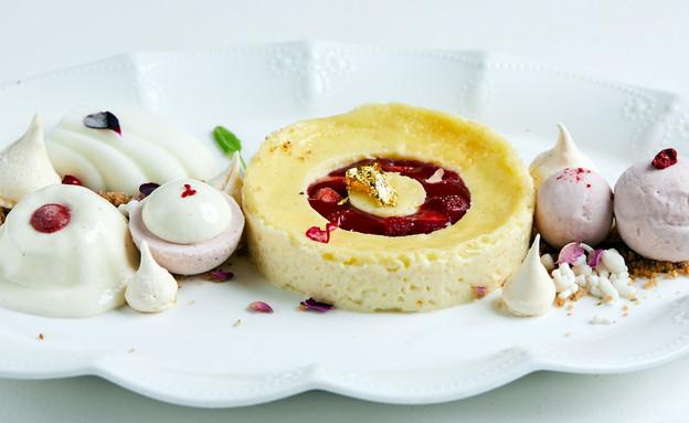 קינוח קרם ברולה אניס עם עוגת גבינה ויוגורט (צילום: אמיר מנחם, אוכל טוב)