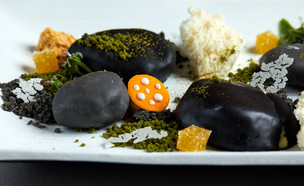 קינוח אננס, יוגורט ופסיפלורה בסגנון יפני (צילום: אמיר מנחם, אוכל טוב)