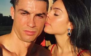 רונאלדו ובת הזוג (צילום: instagram)