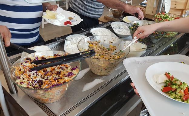 בופה ארוחת בוקר, איקאה (צילום: גיל גוטקין, אוכל טוב)
