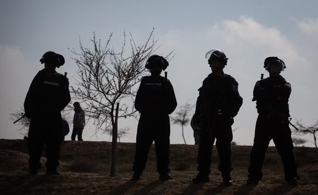 כוחות ביטחון באום אל חירן, ארכיון (צילום: פלאש 90, הדס פרטוש)