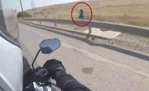 מרדף משטרתי אחר אופנוען (צילום: דוברות המשטרה)