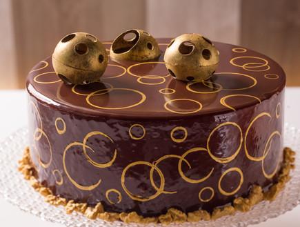 """עוגת """"מדוביק"""" הפוכה - עוגת דבש ושמנת חמוצה"""