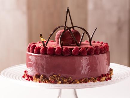 עוגת מוס דובדבן וקסיס