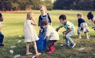 כך תגדלו מתנדבים (צילום: Shutterstock, Rawpixel)