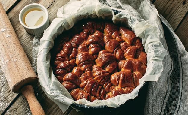 עוגת רוגעלך במילוי לוטוס (צילום: אמיר מנחם, אוכל טוב)
