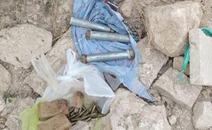 מטעני הצינור שנתפסו במזרח י-ם (צילום: דוברות המשטרה)