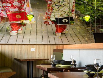 מסעדת JOYA , עיצוב חגית בכר, קיר אריחים (צילום: אבי קבלו פריזמה צלמים)