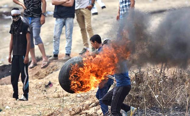 """חמאס מספק את הצמיגים? (צילום: דובר צה""""ל)"""