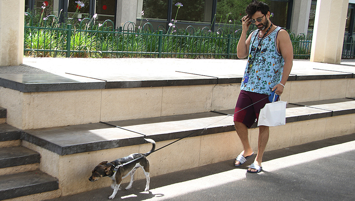 יהודה לוי מטייל עם הכלבה, מאי 2018