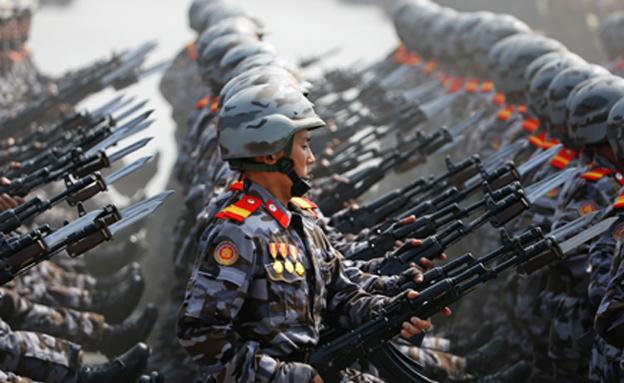 מצעד צבאי בצפון קוריאה. ארכיון (צילום: רויטרס)