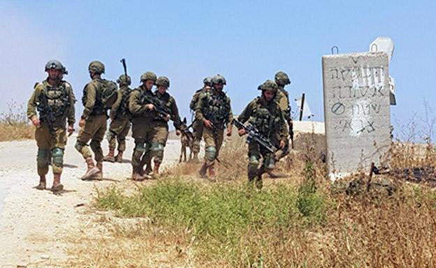 """כוחות צה""""ל בגבול הרצועה (צילום: החדשות)"""