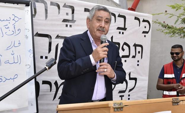 טלאל אל קארנאווי בטקס הכנסת ספר תורה בסודהסטרים (צילום: גיל דור, יחסי ציבור)