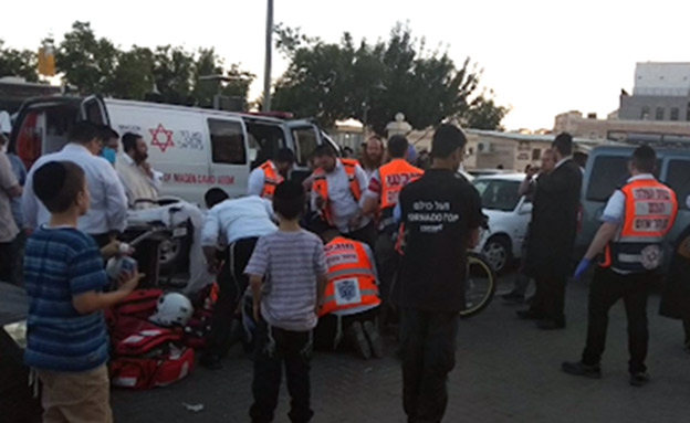 ילד בן 7 נהרג מפגיעת אוטובוס (צילום: דוברות 'צוות הצלה')