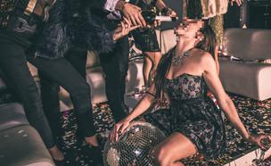 מסיבת סקס (צילום: shutterstock | oneinchpunch)