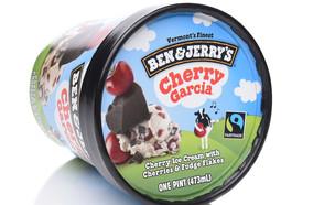 גלידת צ'רי גרסיה, בן אנד ג'ריס (צילום: LunaseeStudios, Shutterstock)