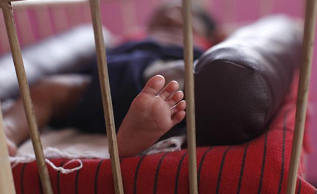 תינוק בן שנה במצב קשה (אילוסטרציה) (צילום: רויטרס)