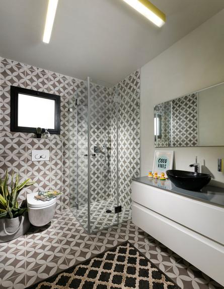 בית במכולה, ג, תורג'י אדריכלות ועיצוב פנים, חדר רחצה (10)