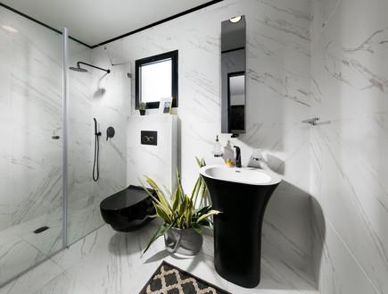בית במכולה, תורג'י אדריכלות ועיצוב פנים, חדר רחצה (15)