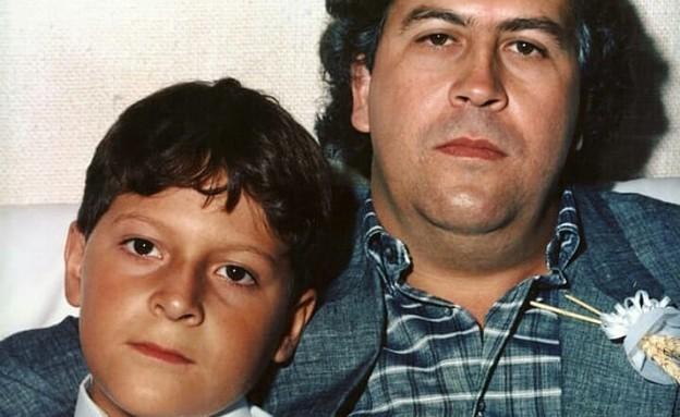 פבלו אסקובר ובנו (צילום: אינסגטרם - kevin_rodriguez_ak47)