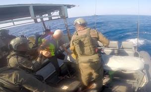 """מעצר סירת דייג פלסטינית (צילום: דובר צה""""ל)"""