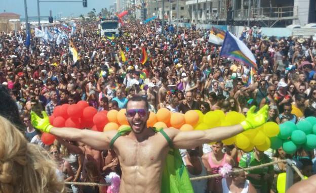 מצעד הגאווה 2014 הבמה המרכזית (צילום: עידן מטלון)