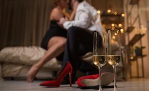 אלכוהול וסקס (צילום: shutterstock | Olena Yakobchuk)