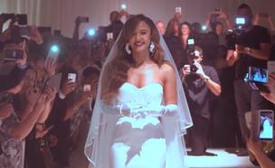 """ממנפת: החדש של עדן בן זקן נערך מסרט החתונה (צילום: מתוך """"ערב טוב עם גיא פינס"""", שידורי קשת)"""