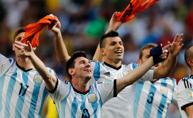 ארגנטינה לא תגיע, הפלסטינים בירכו (צילום: AP)