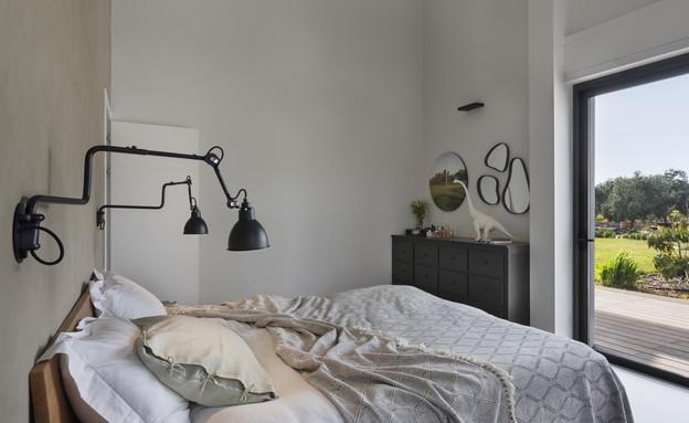 בית בעמק חפר, עיצוב קרן גנס, חדר שינה - 12 (צילום: אסף פינצ'וק)