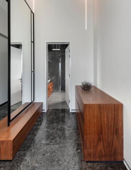 בית בשפלה, ג, מעצב הפנים ניצן הורוביץ, חדר רחצה (52) (צילום: עודד סמדר)