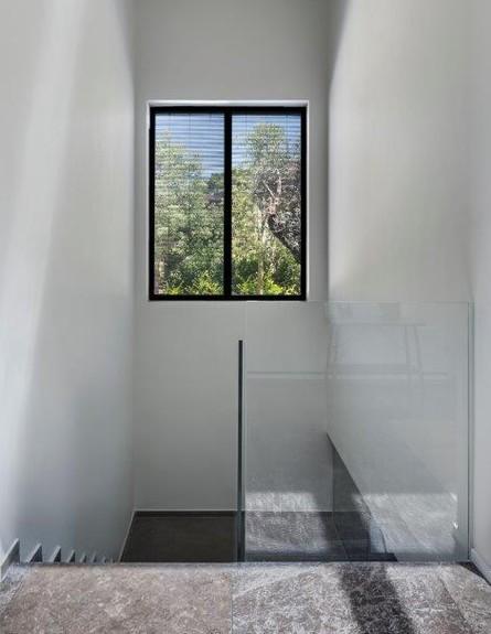 בית בשפלה, ג, מעצב הפנים ניצן הורוביץ, מדרגות (31) (צילום: עודד סמדר)