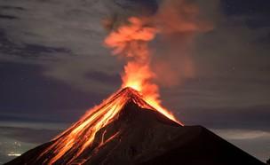 התפרצות הר הגעש פואגו בגוואטמלה (צילום: fboudrias, shutterstock)