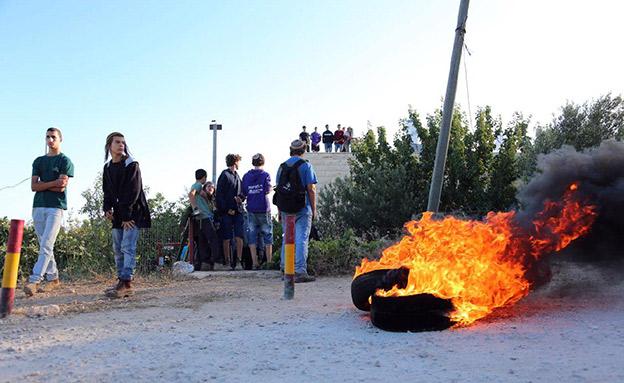 המחאה נגד הפינוי, הבוקר (צילום: מתי עמר/TPS, חדשות)