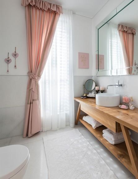 חדר מהאגדות, ג, עיצוב קרן ניב טולדנו, חדר רחצה - 11 (צילום: עמית גושר)
