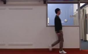 טכנולוגיה שרואה אנשים דרך קירות (צילום: Rumen Hristov, MIT)
