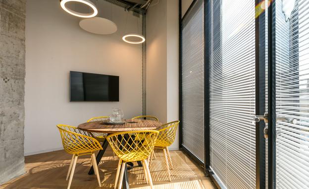 משרדים יפים, אייטם 3 - 1 (צילום: עוזי פורת)