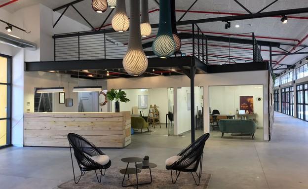 משרדים יפים, אייטם 1 - 7 (צילום: ליאור דנצינג )