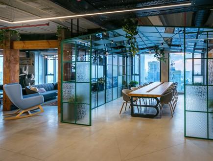 משרדים יפים, אייטם 7 - 7