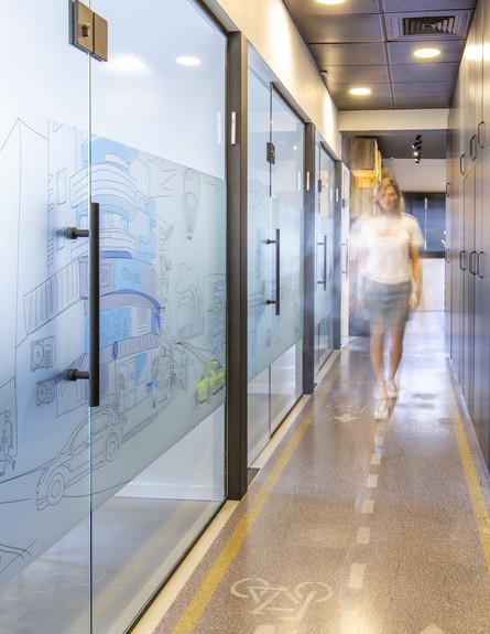 משרדים יפים, ג, אייטם 2 - 4 (צילום: אופיר חייט)