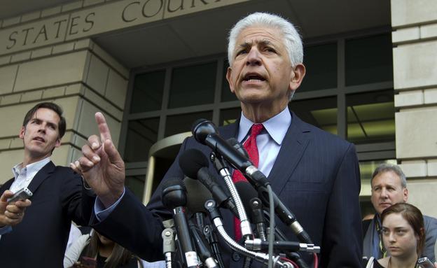 עורך הדין של החברות, דניאל פטרוצ'לי (צילום: AP, חדשות)