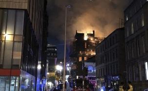 """""""הבניין נדלק כמו קופסת גפרורים"""" (צילום: AP, חדשות)"""