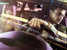 מאחורי ההגה: חיי הלילה האפלים של נהג המונית