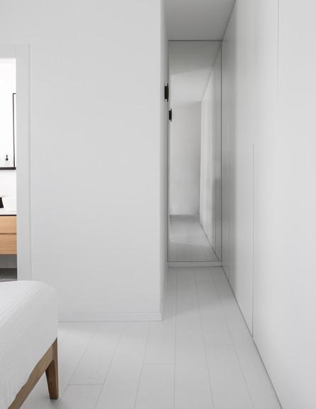 דירה בבאר שבע, ג, עיצוב כרמית גת, מסדרון - 23 (צילום: איתי בנית)