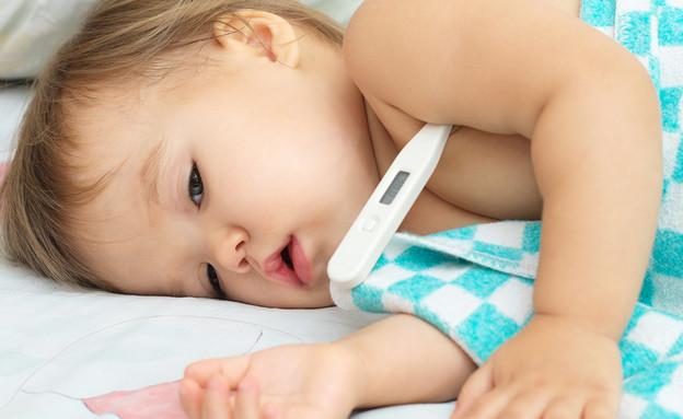 תינוק חולה- לייף בייביז (צילום: By Aynur_sib, shutterstock)