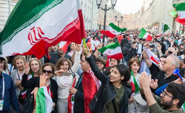 אוהדות כדורגל איראניות (צילום: Rafael Dias Katayama, shutterstock)